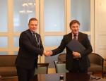 Kauno rajono savivaldybės administracijos direktorius Š. Šukevičius ir VDU rektorius J
